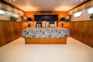 75' Hatteras 75 Motor Yacht 2004 Master 2