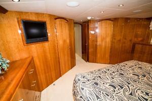 75' Hatteras 75 Motor Yacht 2004 Master Forward