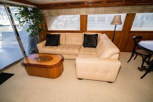 75' Hatteras 75 Motor Yacht 2004 L-Shaped Seating