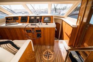 75' Hatteras 75 Motor Yacht 2004 Helm 1