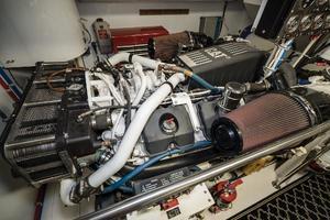 75' Hatteras 75 Motor Yacht 2004 Engine Room 5
