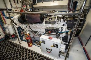 75' Hatteras 75 Motor Yacht 2004 Engine Room 3