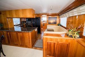 75' Hatteras 75 Motor Yacht 2004 Galley