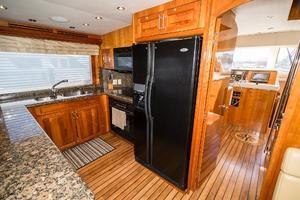 75' Hatteras 75 Motor Yacht 2004 Galley Fridge