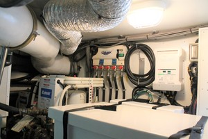 56' Symbol 56 Pilothouse Custom 2010 5 Way Oil Change System