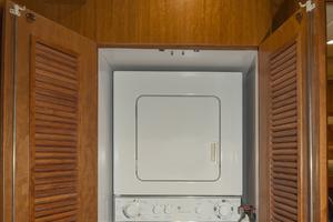 56' Symbol 56 Pilothouse Custom 2010 Washer & Dryer