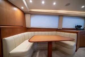 61' Viking Convertible 2002 Dinette
