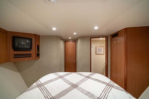 61' Viking Convertible 2002 VIP Stateroom TV