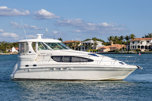39' Sea Ray 390 Motor Yacht 2004 This 2004 39' Sea Ray 390 Motor Yacht for Sale - SYS Yacht Sales