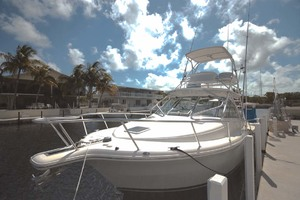 33' Rampage Express 2007 37 Port Bow