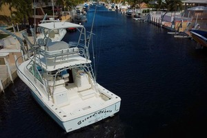 33' Rampage Express 2007 5 Stern View
