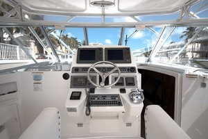 33' Rampage Express 2007 12 Helm