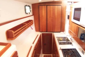 34' Pdq Mv34 2003 20 Galley