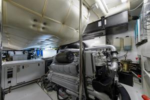 64' Pershing Cruiser 2013
