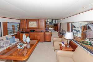 65' Pacific Mariner Pa 65 2006 Salon