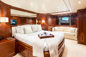 100' Benetti Tradition 100 2007 VIP full beam Stateroom
