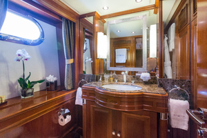 100' Benetti Tradition 100 2007 Twin/ Queen En-suite bathroom