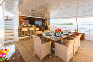 100' Benetti Tradition 100 2007 Upper Deck dining