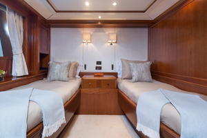 100' Benetti Tradition 100 2007 Twin/ Queen Cabin
