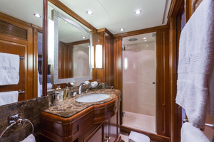 100' Benetti Tradition 100 2007 VIP En-suite bathrooom
