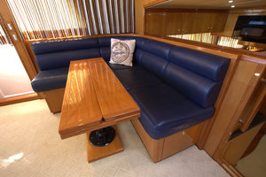 57' Jefferson  2003 Pilothouse Settee