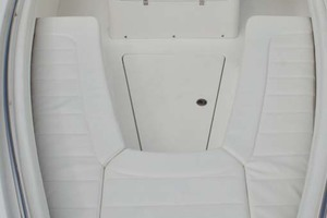 28' Regulator 28 Center Console 2018 Forward Seating
