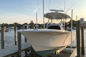 28' Regulator 28 Center Console 2018 Port Bow Profile   In Lift