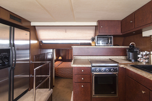 55' Gibson 5500 2005 Galley looking aft