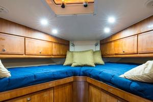51' Bertram Sport Fisherman 2000 Challenge_Forward Stateroom2