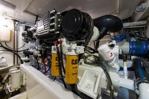 51' Bertram Sport Fisherman 2000 Challenge_Engine Room3