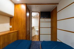 51' Bertram Sport Fisherman 2000 Challenge_Port Stateroom4