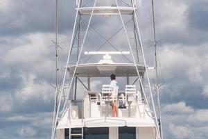 51' Bertram Sport Fisherman 2000 Challenge_Stern Profile4
