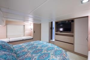 50' Monte Carlo Beneteau 2015 50 Beneteau_master_stateroom_6