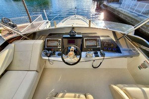 50' Marquis 500 Sport Bridge 2011 Upper Helm