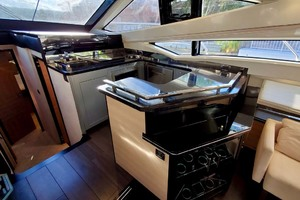 50' Marquis 500 Sport Bridge 2011 Galley