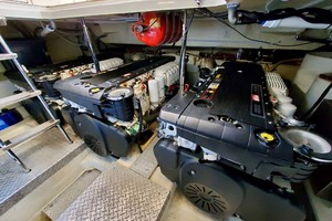 50' Marquis 500 Sport Bridge 2011 Engines