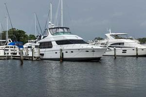 53' Carver 530 Voyager Pilothouse 2001 This 2001 53' Carver 530 Voyager Pilothouse for Sale - SYS Yacht Sales