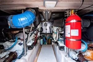 44' Sea Ray Cruiser 2006 44 Sundancer_Engine Room1