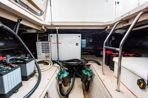 44' Sea Ray Cruiser 2006 44 Sundancer_Engine Room4
