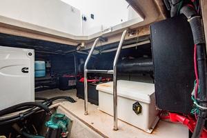 44' Sea Ray Cruiser 2006 44 Sundancer_Engine Room6