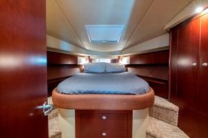 44' Sea Ray Cruiser 2006 44 Sundancer_Forward Stateroom1