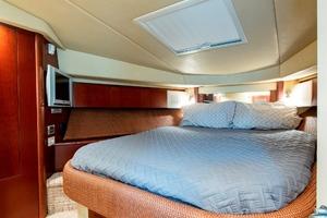44' Sea Ray Cruiser 2006 44 Sundancer_Forward Stateroom4