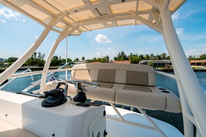 42' Boston Whaler 420 Outrage 2016 420 Outrage_Tower4
