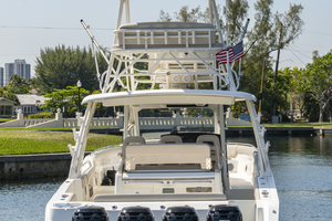 42' Boston Whaler 420 Outrage 2016 420 Outrage_Stern Profile5