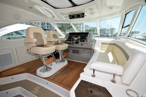 54' Sea Ray Sundancer 2012 2012 Sea Ray 540 Sundancer_0165