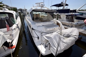 54' Sea Ray Sundancer 2012 2012 Sea Ray 540 Sundancer_0140