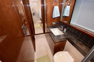 54' Sea Ray Sundancer 2012 Interior   2012 Sea Ray 540 Sundancer_0203