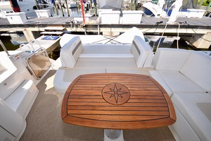 54' Sea Ray Sundancer 2012 2012 Sea Ray 540 Sundancer_0150