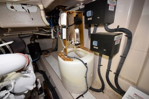 54' Sea Ray Sundancer 2012 Engine Room   2012 Sea Ray 540 Sundancer_0082