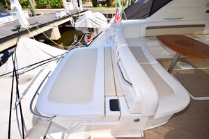 54' Sea Ray Sundancer 2012 2012 Sea Ray 540 Sundancer_0143
